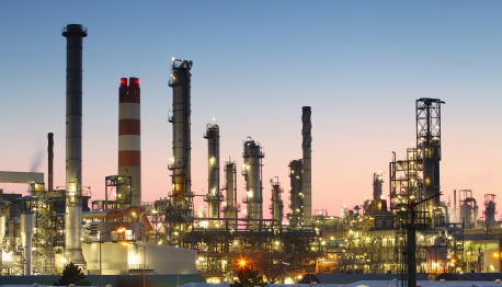 Leading Contract Manufacturing - Pontiac MI | Iridium Manufacturing - oil_refinery_iStock_000019447592XSmall